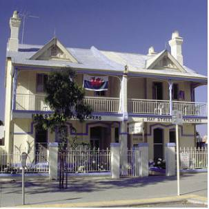 Hay Street Backpackers & Motel