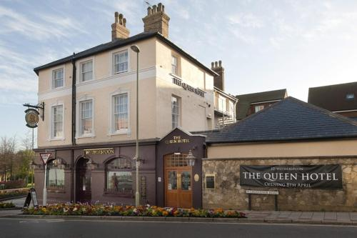 The Queen Hotel Wetherspoon