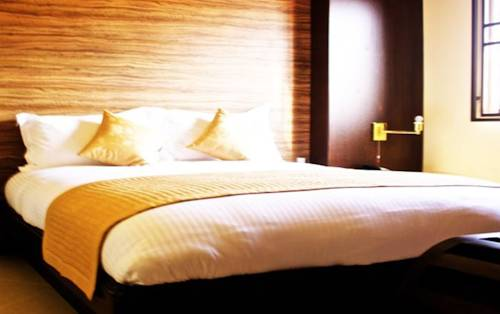 Home Suites Hotel