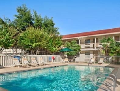Baymont Inn and Suites Longview