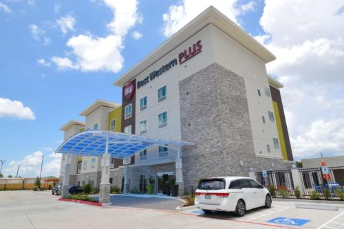 Best Western Plus Pasadena Inn & Suites