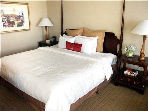 Crowne Plaza Hotel White Plains-Downtown