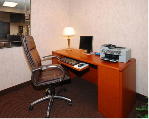 Quality Inn & Suites Conference Center Clarkston