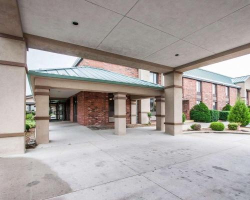 Quality Inn & Suites North Springfield